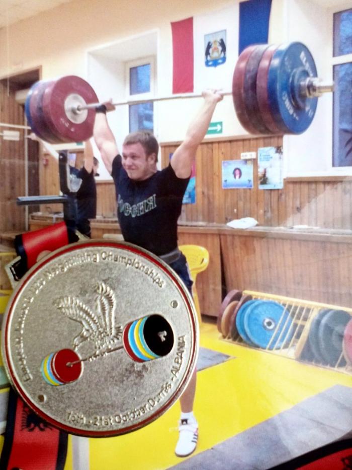 Новгородский тяжелоатлет успешно дебютировал на первенстве Европы