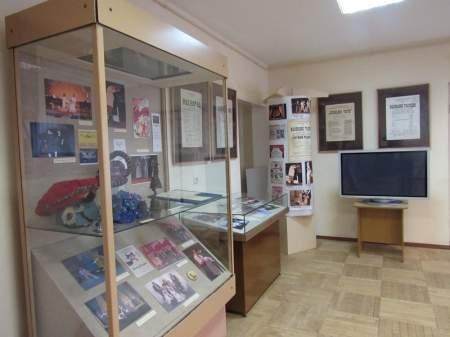 Во Всемирный день театра в Музее уездного города открылась выставка «Валдай театральный»
