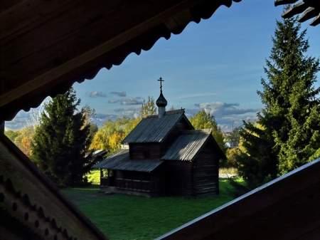 Открытие экспозиции «Иконостас церкви Успения с. Никулино Любытинского района»