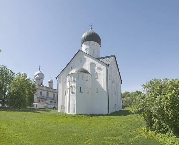 Завтра для бесплатного посещения открыты церкви Спаса Преображения на Ильиной улице и Спаса Преображения на Ковалёве