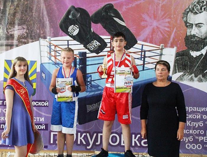 В Окуловку на открытый турнир по боксу приехало рекордное количество спортсменов