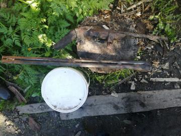 В Новгородском районе сотрудники полиции выявили факт незаконного изготовления и хранения огнестрельного оружия и боеприпасов
