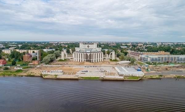 Продолжаем избавлять центр Великого Новгорода от того, что портит внешний вид города.