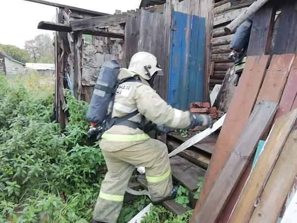 На пожаре в Маловишерском районе спасены 2 человека