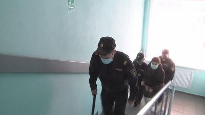 В Новгородской области полицейские задержали подозреваемую в кражах денежных средств у пенсионеров