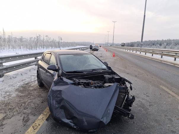 18 января 2021 года на территории, обслуживаемой ОГИБДД МО МВД России «Новгородский», произошло 6 ДТП, при котором один человек пострадал, 10 т/с получили повреждения.