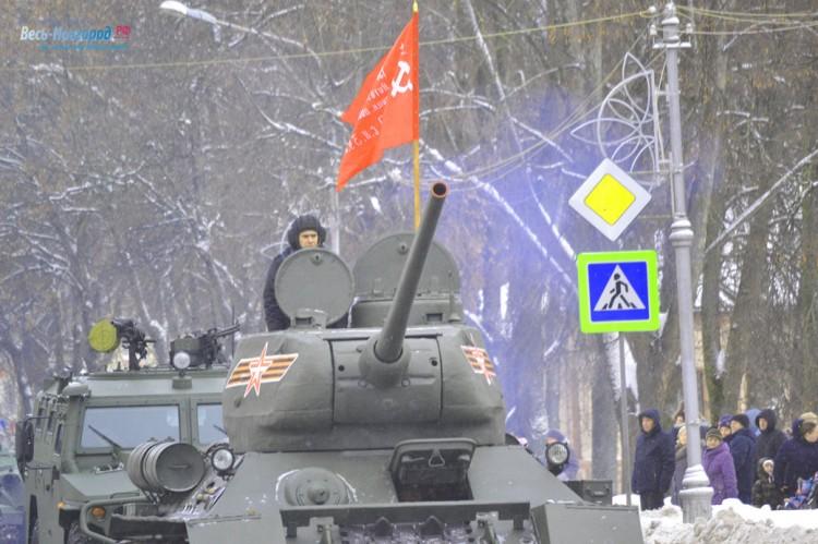 Парад военной техники в Великом Новгороде (фото) Т-34