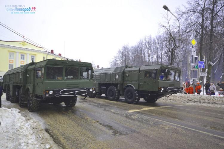 Парад военной техники в Великом Новгороде (фото)
