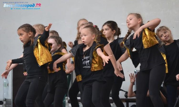 Юные танцоры на Дне города
