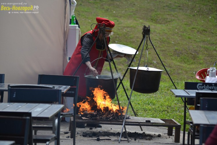 Чтобы Новгородцам было что поесть, еду нужно сначала приготовить