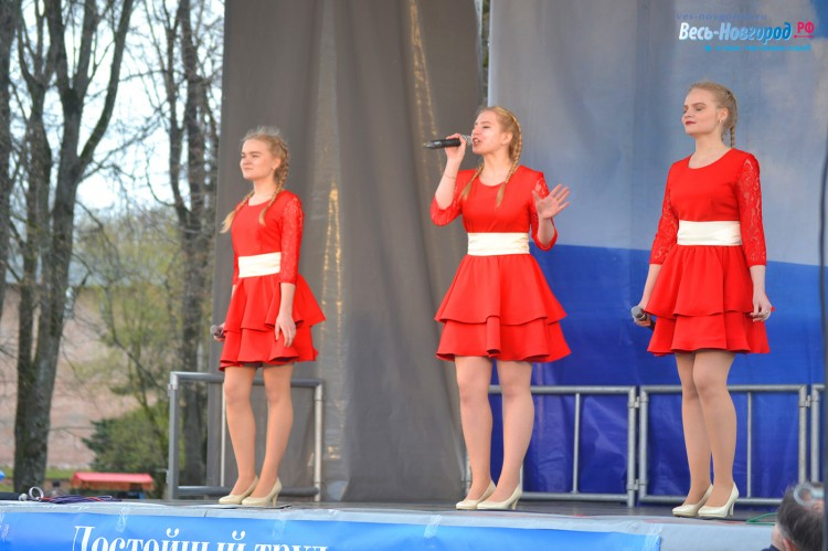 1 мая. Великий Новгород. Праздничное шествие
